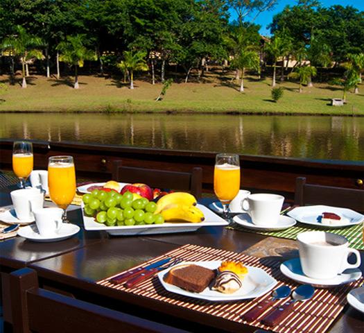 Café da manhã | Recanto Alvorada Eco Resort